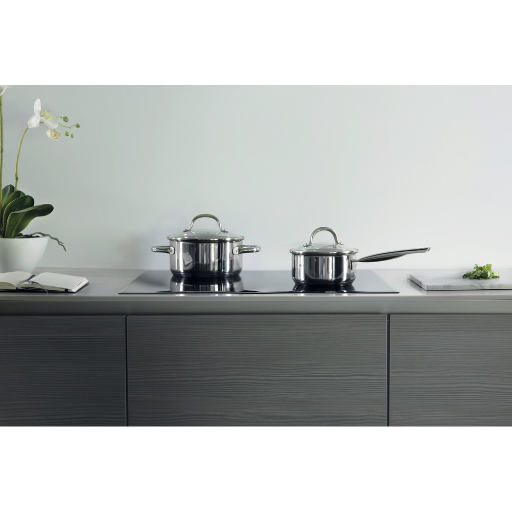 Whirlpool SmartCook SMO 654 OF/BT/IXL Built-In Hob in Black