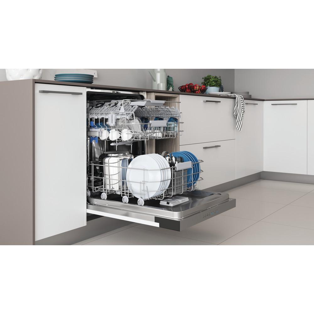 Indesit Lave-vaisselle Encastrable DBC 3C24 AC X Semi-intégré E Lifestyle perspective open
