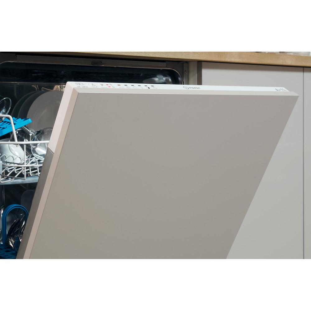 Indesit Mašina za pranje posuđa ugradbeni DIE 2B19 A A scomparsa totale F Lifestyle detail