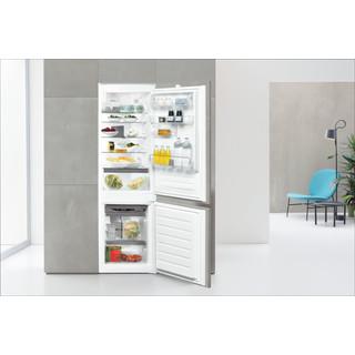 Whirlpool Šaldytuvo / šaldiklio kombinacija Įmontuojamas ART 6711 SF2 Balta 2 doors Lifestyle frontal open
