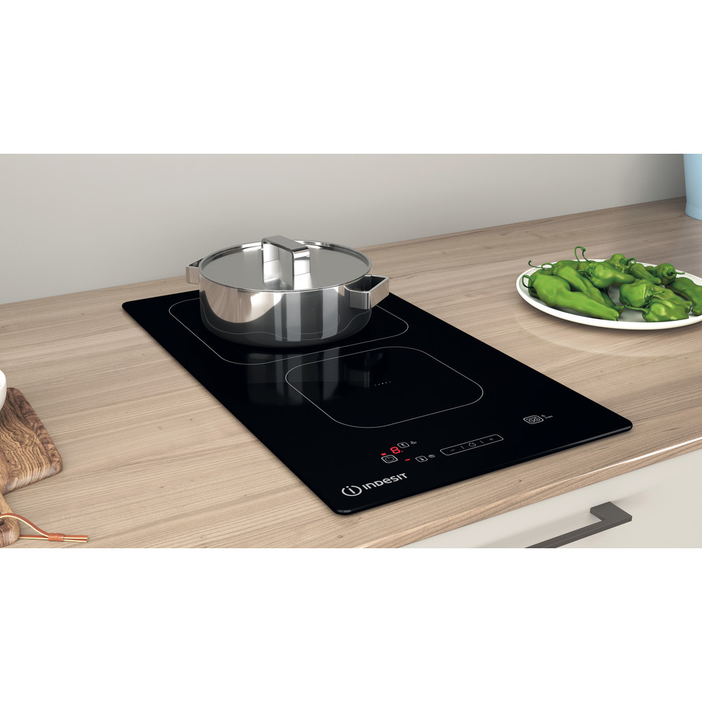 Indesit HOB IS 19Q30 NE Black Induction vitroceramic Lifestyle perspective