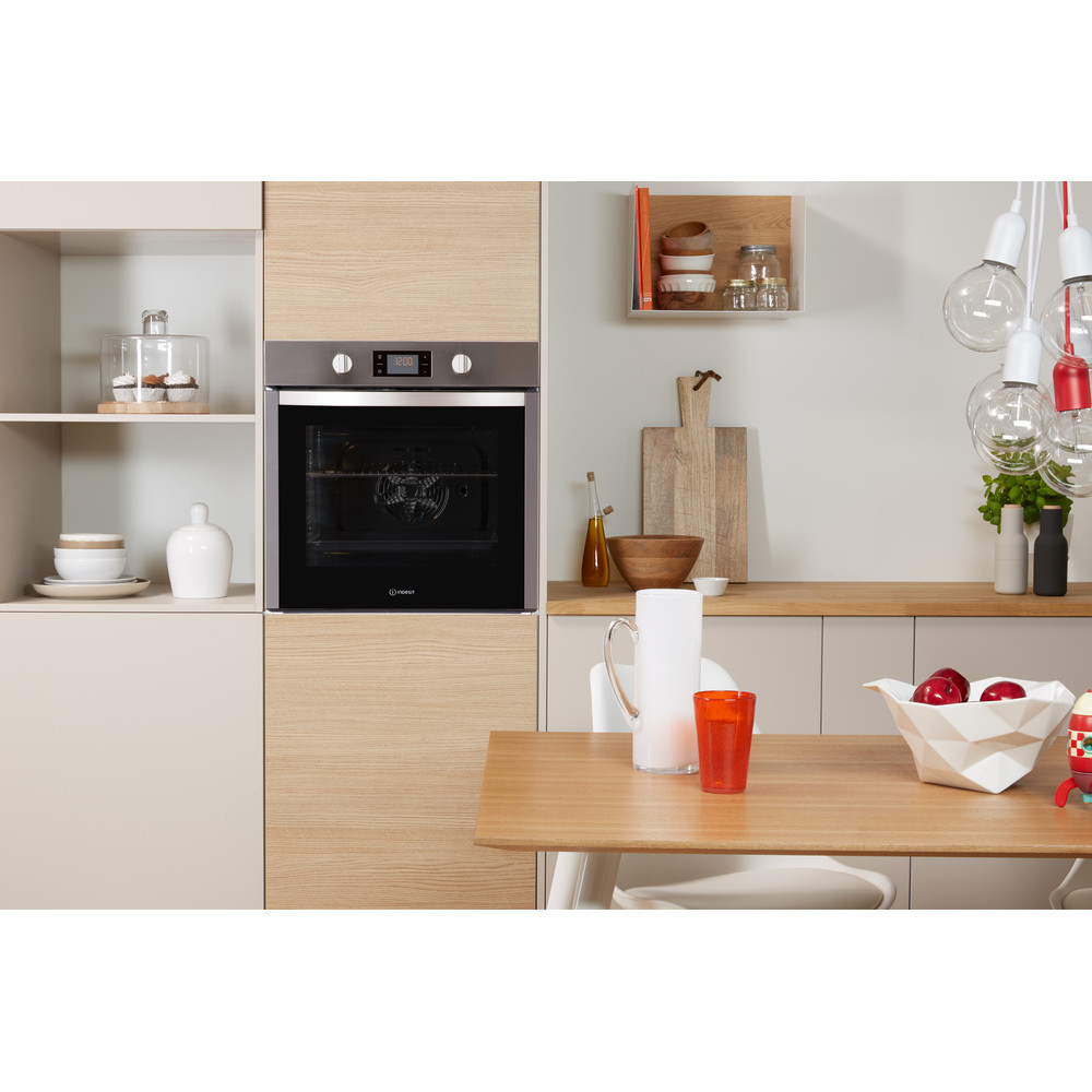 Indesit OVEN Built-in DFW 5544 C IX UK Electric A Lifestyle frontal