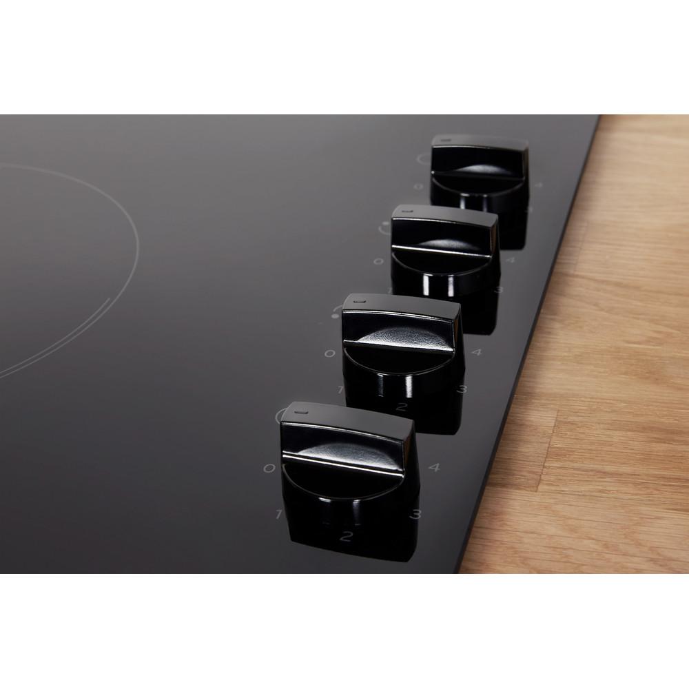 Indesit HOB RI 860 C Black Radiant vitroceramic Lifestyle control panel