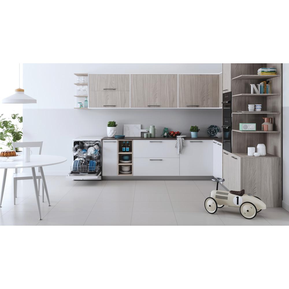 Indesit Lave-vaisselle Pose-libre DFE 1B19 14 Pose-libre F Lifestyle frontal open
