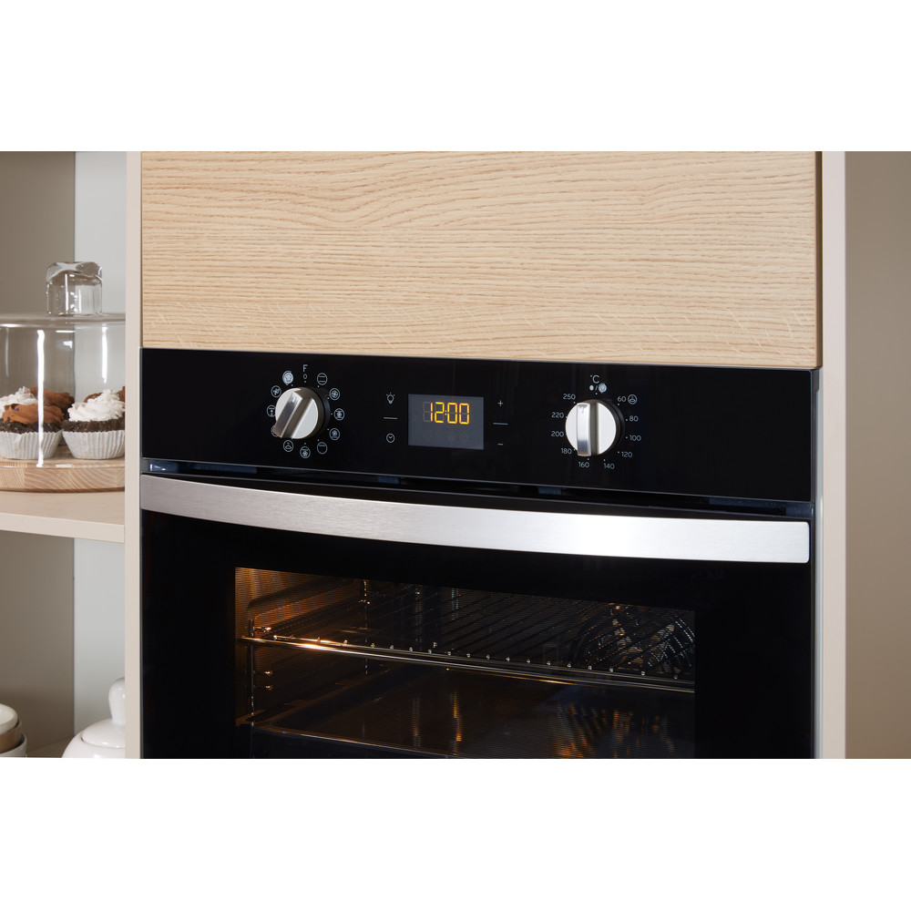 Indesit OVEN Built-in IFW 4841 C BL UK Electric A+ Lifestyle_Control_Panel