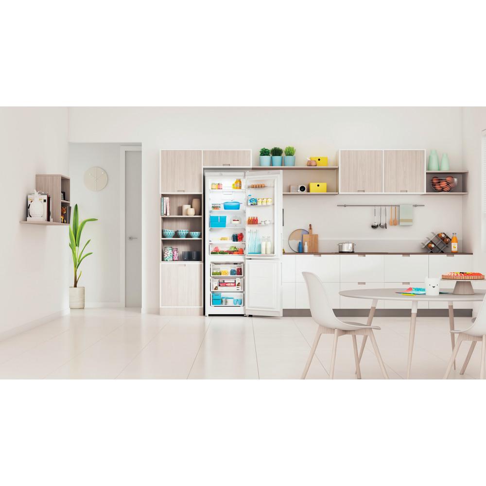 Indesit Холодильник с морозильной камерой Отдельностоящий ITR 4200 W Белый 2 doors Lifestyle frontal open