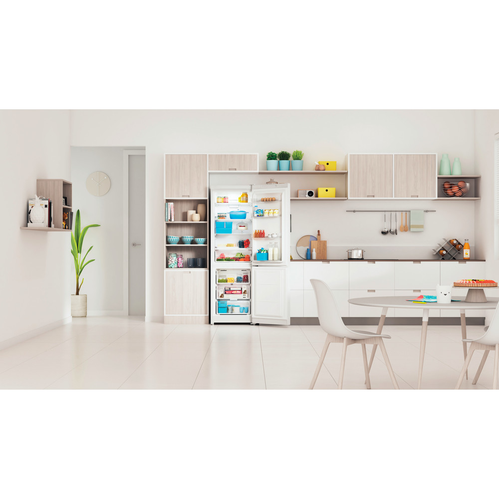 Indesit Холодильник с морозильной камерой Отдельностоящий ITS 5180 W Белый 2 doors Lifestyle frontal open
