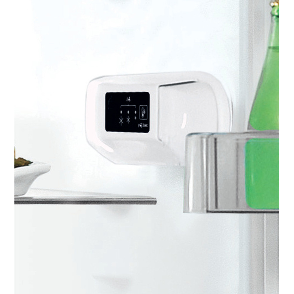Indesit Hűtő/fagyasztó kombináció Szabadonálló LI7 S2E S Ezüst 2 doors Lifestyle control panel