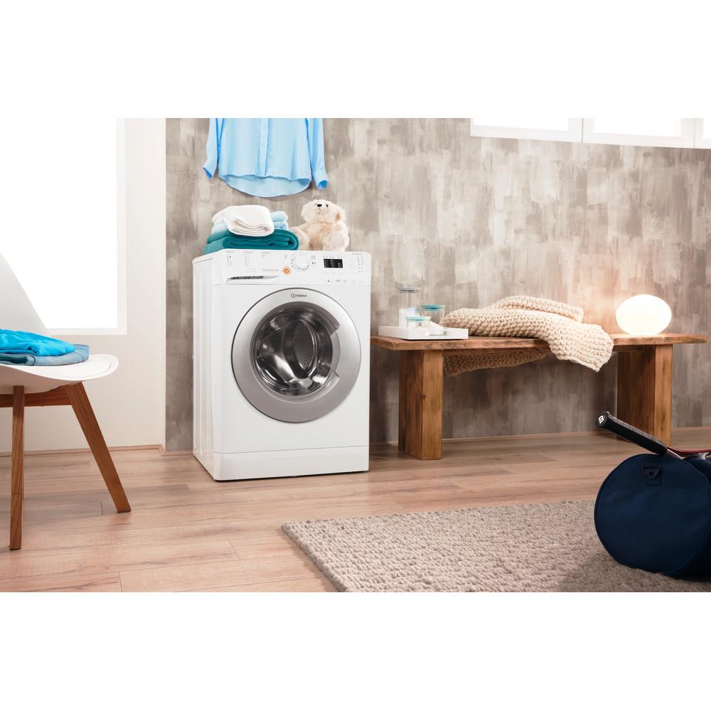 Indesit Pračka se sušičkou Volně stojící XWDA 751480X WSSS EU Bílá Front loader Lifestyle perspective