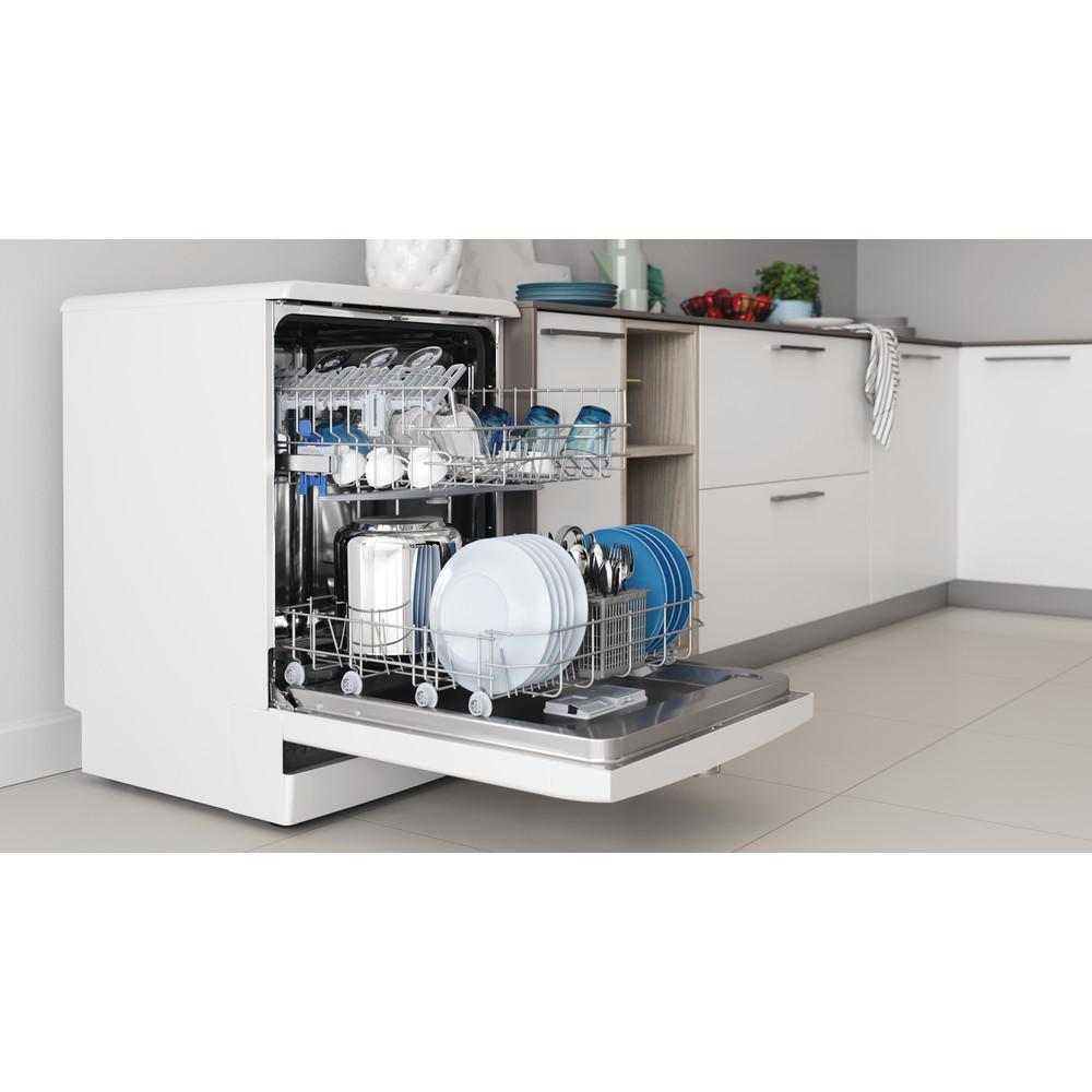 Indesit Посудомоечная машина Отдельностоящий DFE 1B10 Отдельностоящий A Lifestyle perspective open