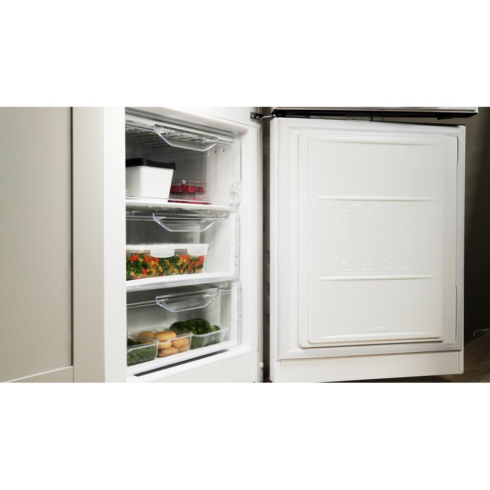 Indesit Холодильник с морозильной камерой Отдельностоящий DSN 20 Белый 2 doors Lifestyle perspective open