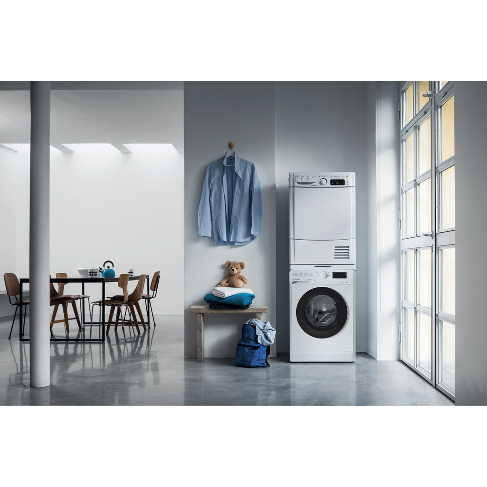 Indesit Пральна машина Соло OMTWSE 61051 WK UA Білий Front loader A+++ Lifestyle frontal