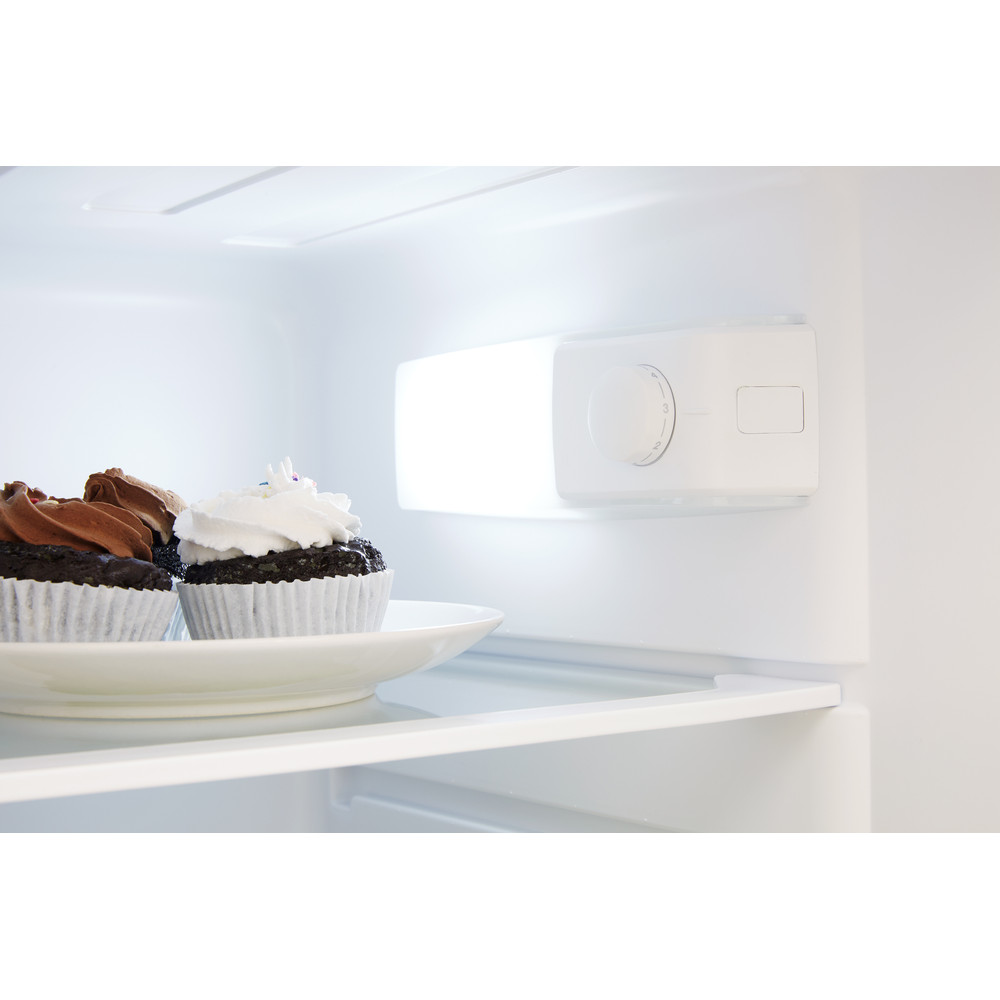 Indesit Kombinovaná chladnička s mrazničkou Voľne stojace RAAA 29 Biela 2 doors Lifestyle control panel