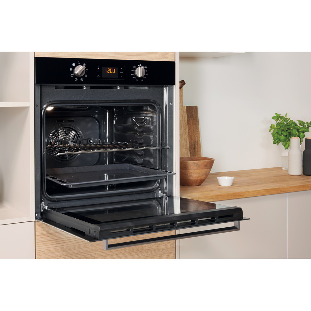 Indesit OVEN Built-in IFW 6340 BL UK Electric A Lifestyle perspective open
