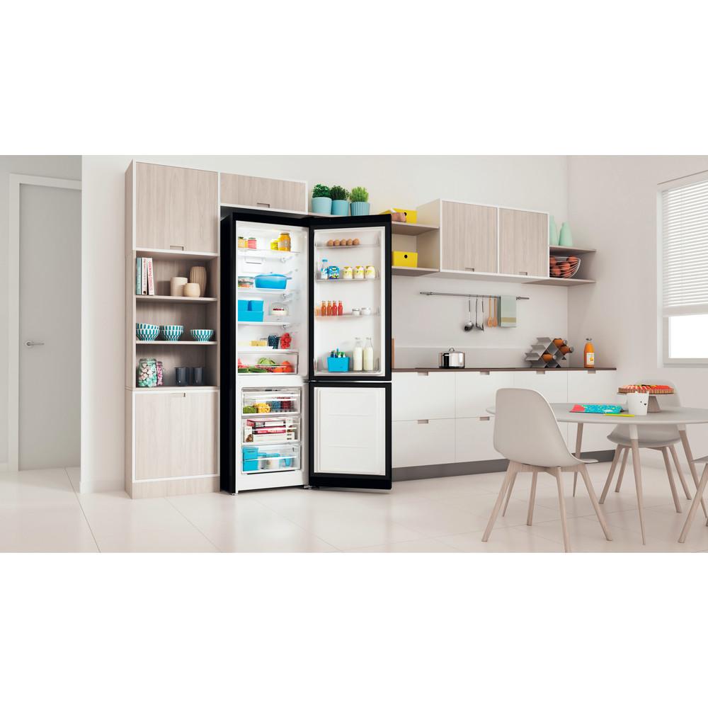 Indesit Холодильник с морозильной камерой Отдельностоящий ITS 5200 B Черный 2 doors Lifestyle perspective open
