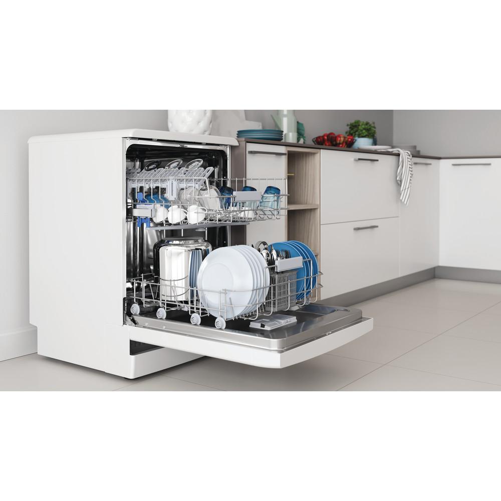 Indesit Посудомоечная машина Отдельностоящий DFC 2B+16 Отдельностоящий A Lifestyle perspective open