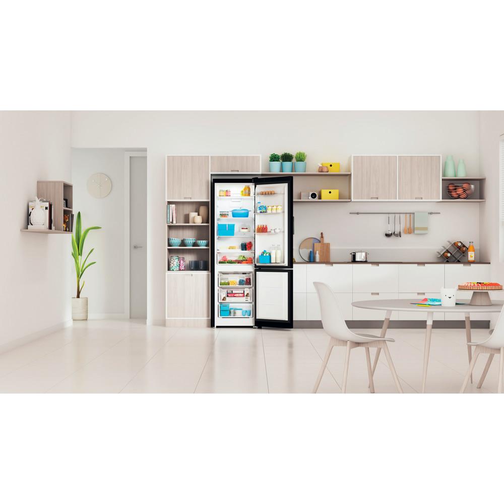 Indesit Холодильник с морозильной камерой Отдельностоящий ITS 5200 B Черный 2 doors Lifestyle frontal open