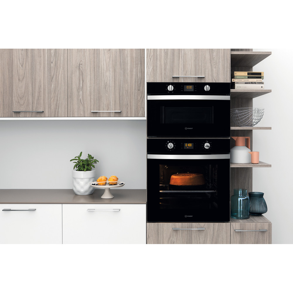Indesit Ovn Indbygget IFW 4844 H BL Electric A+ Lifestyle frontal