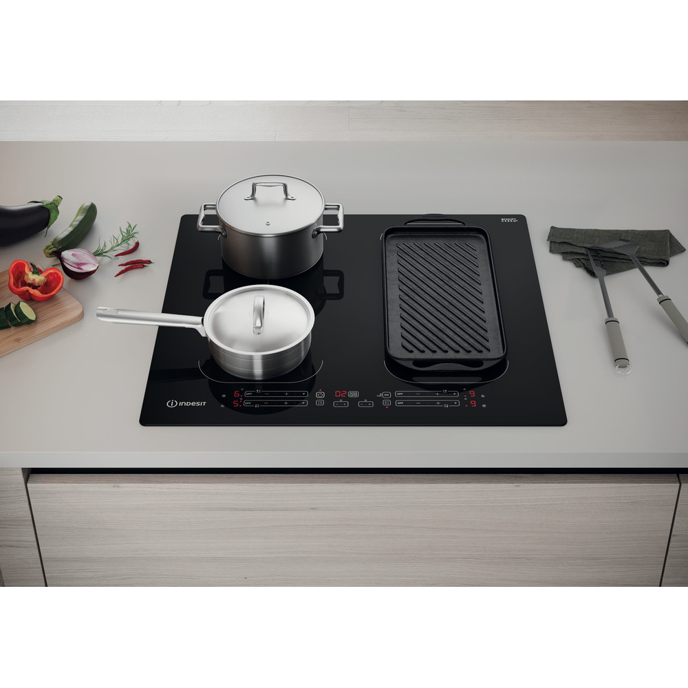 Indesit HOB IB 88B60 NE Black Induction vitroceramic Lifestyle frontal top down