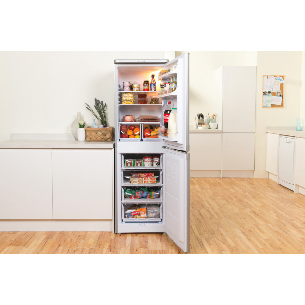 Indesit Fridge Freezer Free-standing IBD 5517 S UK 1 Silver 2 doors Lifestyle frontal open