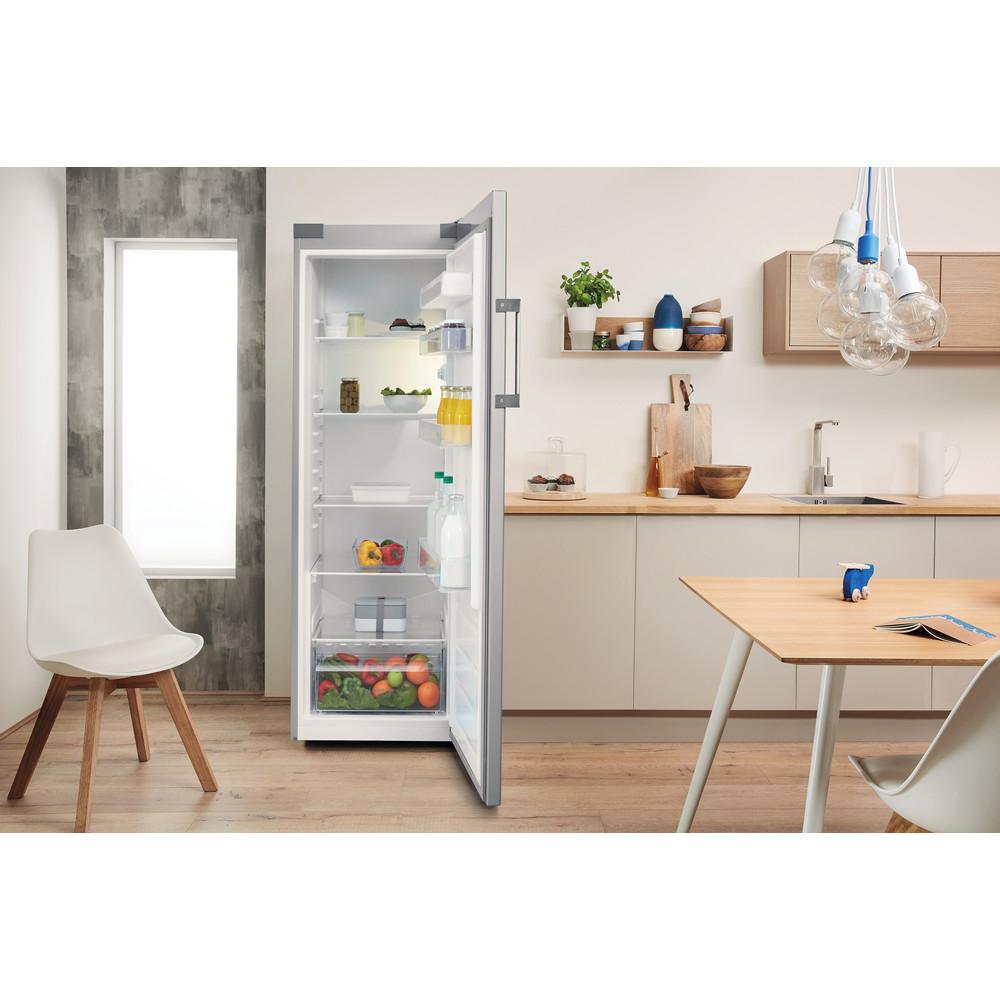 Indesit Kühlschrank Freistehend SI6 1 S Silber Lifestyle frontal open