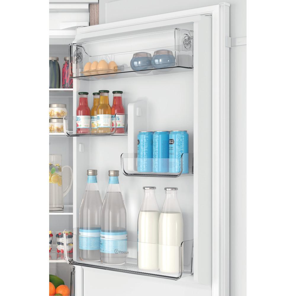 Indesit Комбиниран хладилник с камера Вграден INC18 T311 Бял 2 врати Lifestyle detail