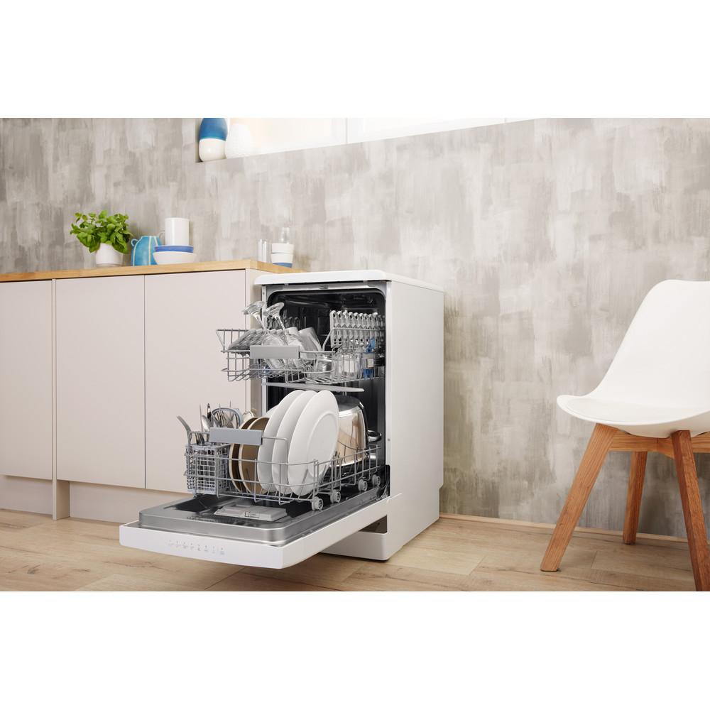 Indesit Посудомоечная машина Отдельностоящий DSFC 3T117 Отдельностоящий A Lifestyle perspective open