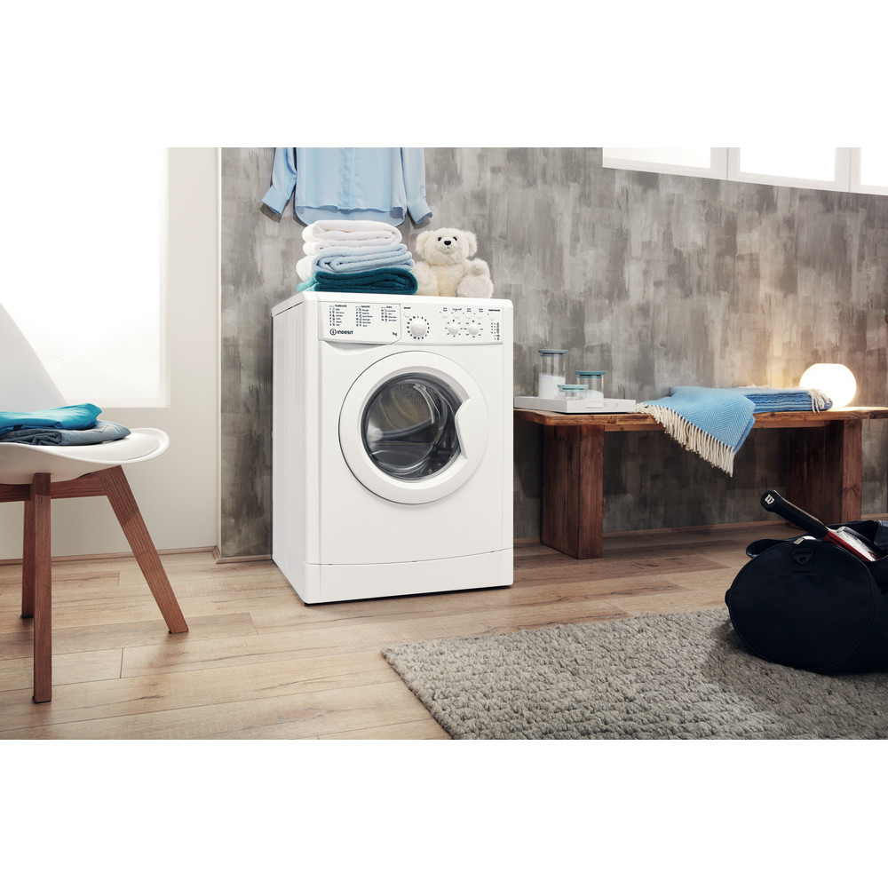 Indesit Washing machine Free-standing IWC 71452 W UK N White Front loader A+++ Lifestyle perspective