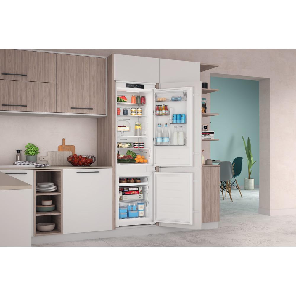 Indesit Комбиниран хладилник с камера Вграден INC18 T311 Бял 2 врати Lifestyle perspective open