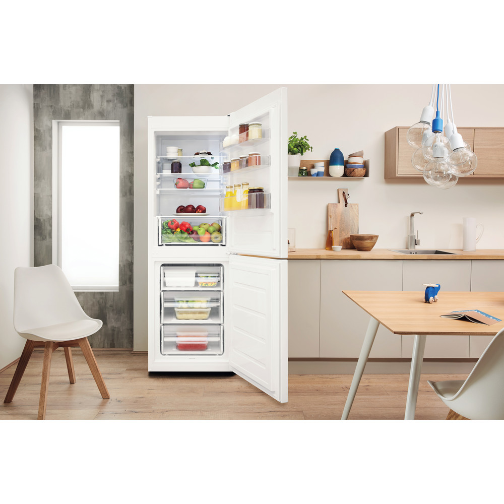 Indesit Køleskab/fryser kombination Fritstående LI7 SN1E W Hvid 2 doors Lifestyle frontal open