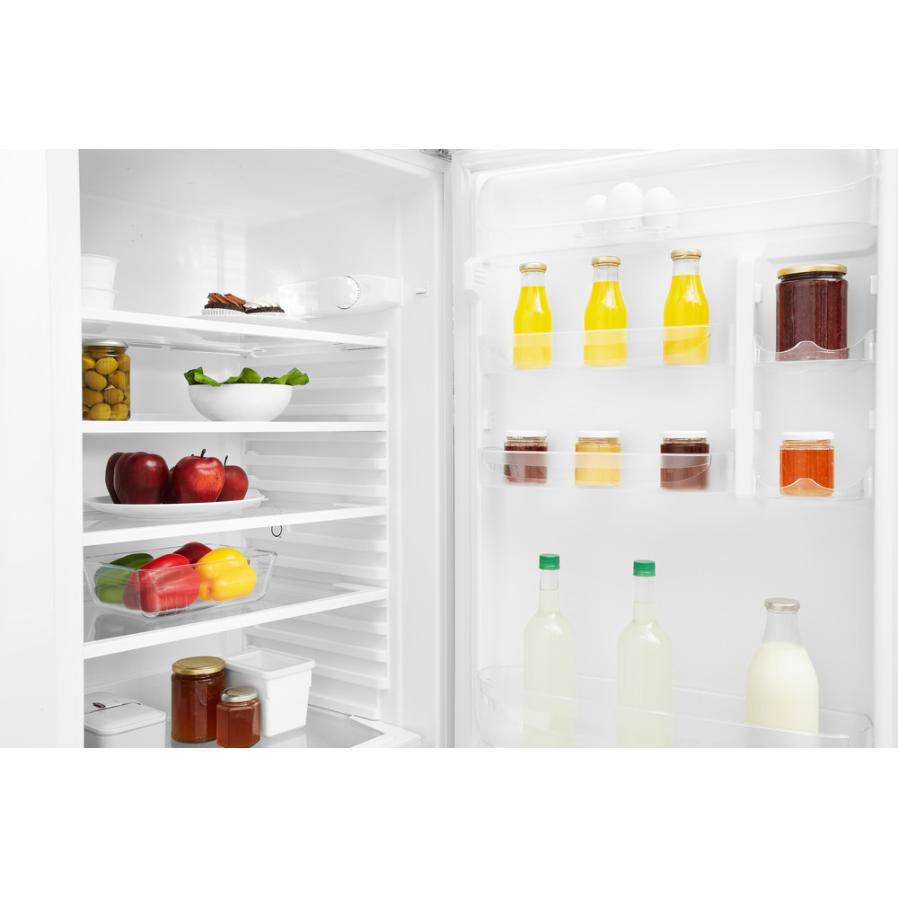 Indesit Combinación de frigorífico / congelador Libre instalación TAA 5 1 Blanco 2 doors Drawer
