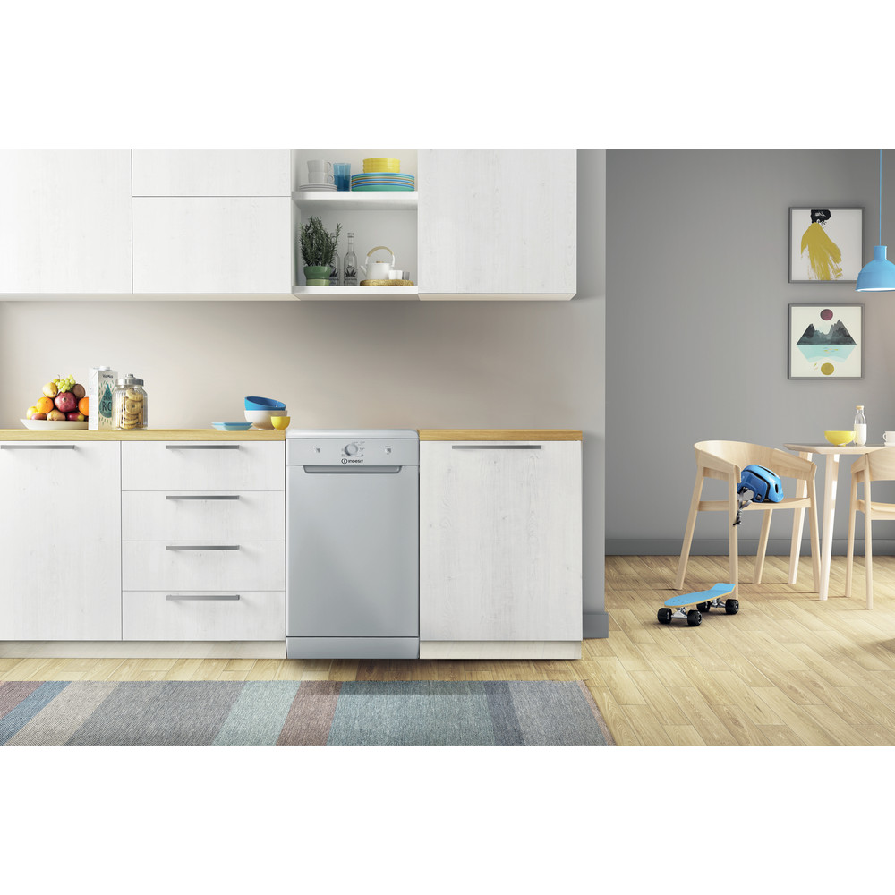 Indesit Mašina za pranje posuđa Samostojeći DSFE 1B10 S Samostojeći A+ Lifestyle frontal