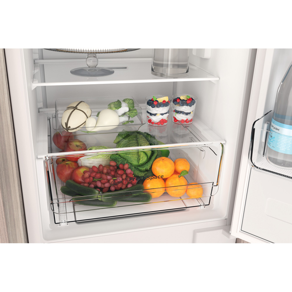 Indesit Комбиниран хладилник с камера Вграден INC18 T311 Бял 2 врати Drawer