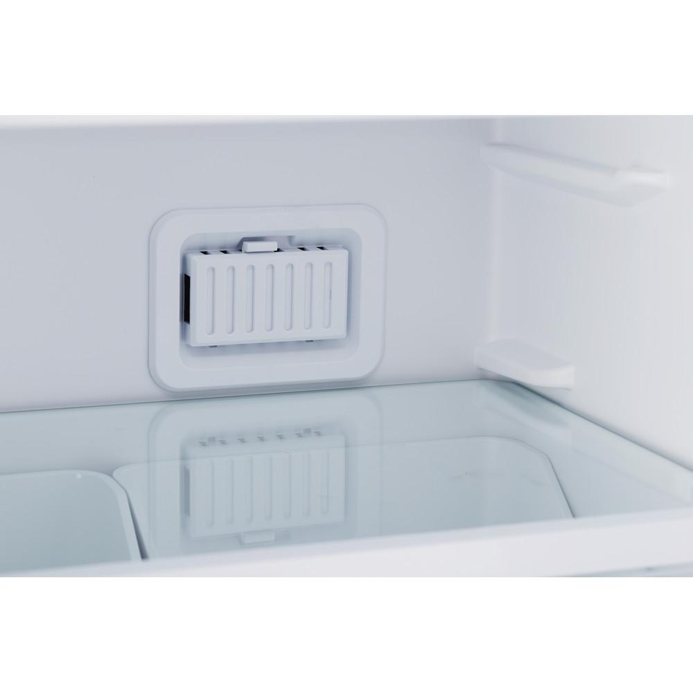 Indesit Холодильник с морозильной камерой Отдельностоящий DFN 20 Белый 2 doors Lifestyle detail