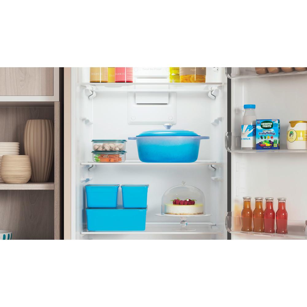 Indesit Холодильник с морозильной камерой Отдельностоящий ITS 4200 E Розово-белый 2 doors Lifestyle detail