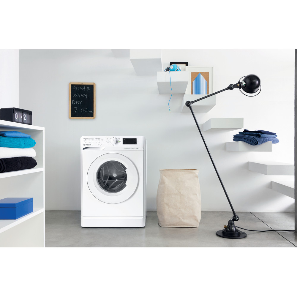 Indesit Пральна машина Соло OMTWE 71483 W EU Білий Front loader A+++ Lifestyle perspective