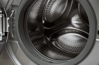 Whirlpool freestanding washer dryer: 9kg - FWDG96148SBS ZA
