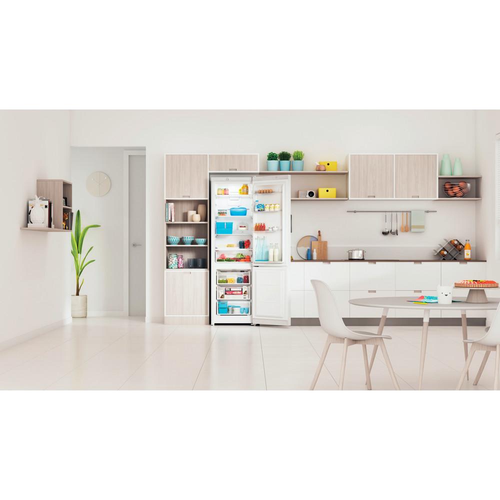 Indesit Холодильник с морозильной камерой Отдельностоящий ITS 4200 W Белый 2 doors Lifestyle frontal open