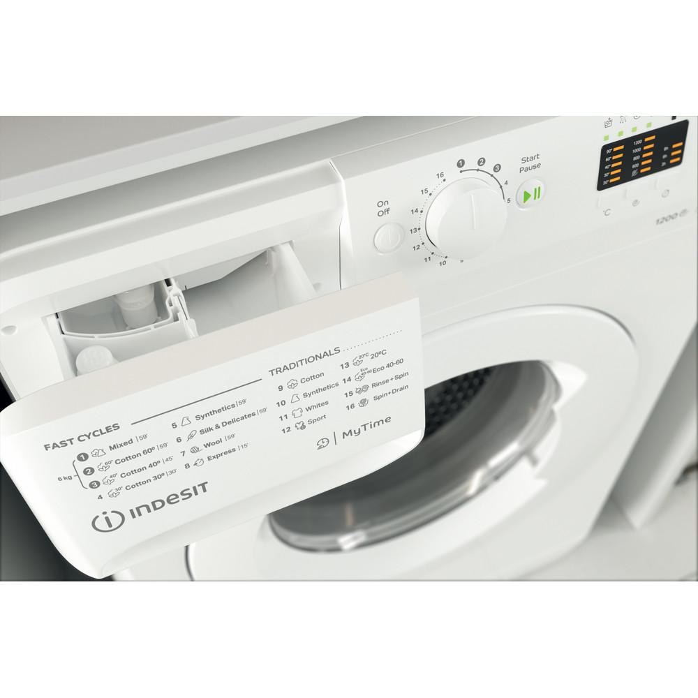 Indsit Maşină de spălat rufe Independent MTWSA 61252 W EE Alb Încărcare frontală F Drawer