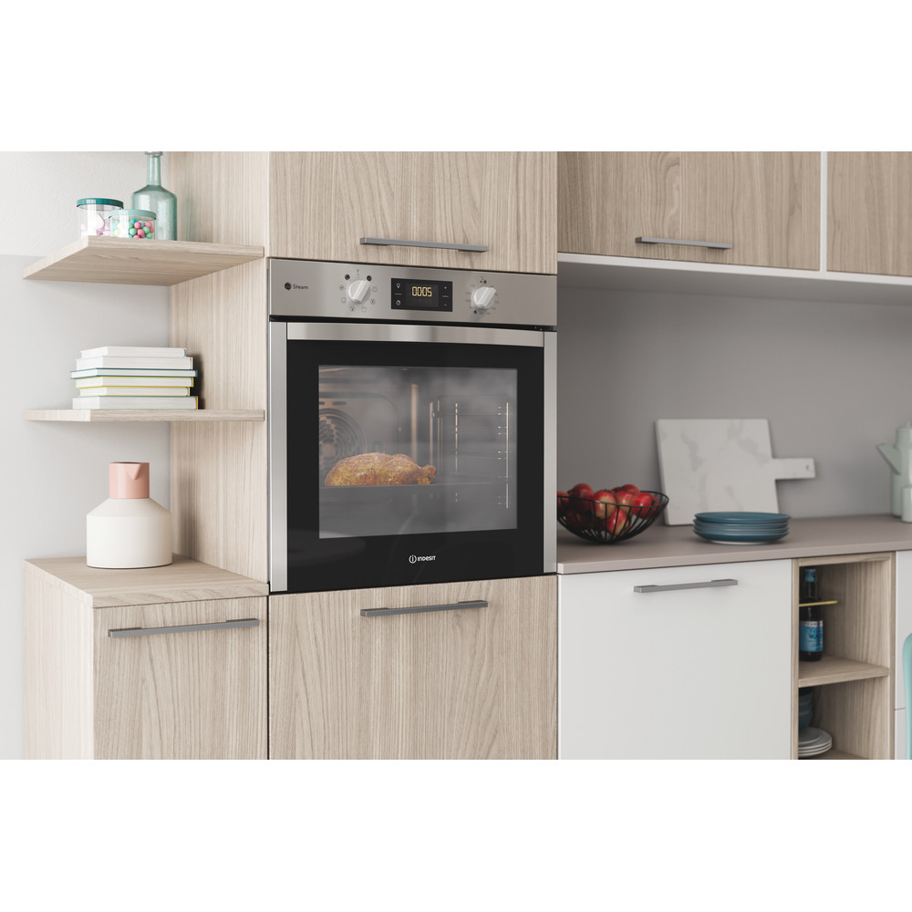 Indesit OVEN Built-in DFWS 5544 C IX UK Electric A Lifestyle perspective