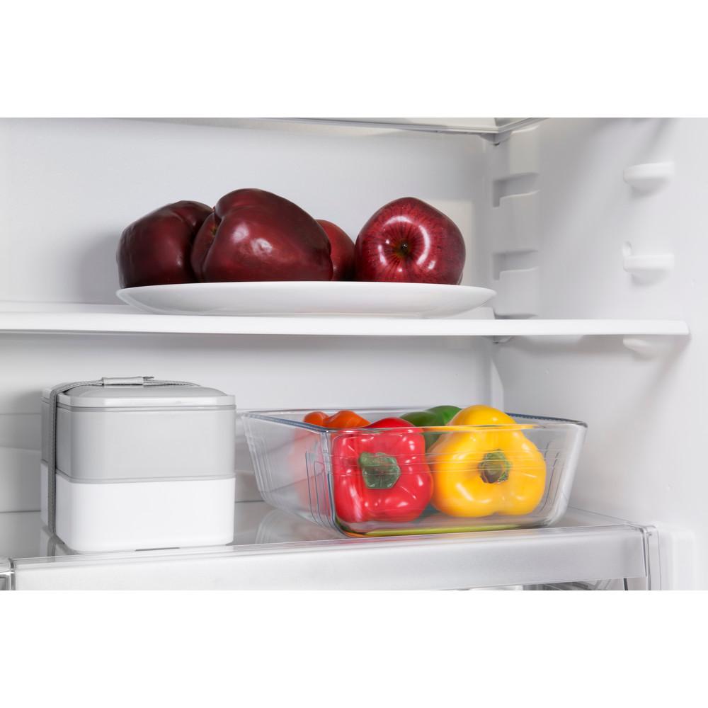 Indesit Kombinerat kylskåp/frys Inbyggda B 18 A1 D/I 1 White 2 doors Lifestyle detail