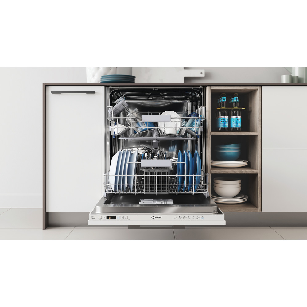 Indesit Посудомоечная машина Встраиваемый DIC 3B+16 A Full-integrated A Lifestyle frontal open
