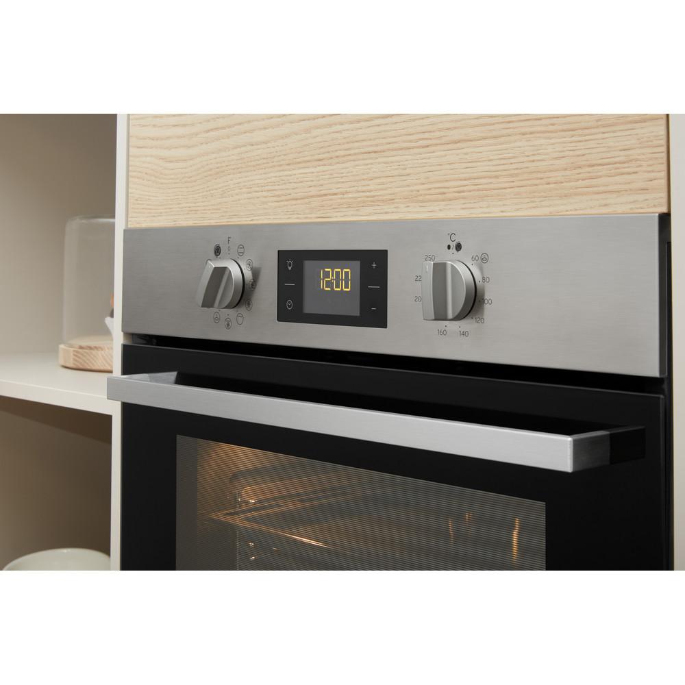 Indesit Trouba Vestavné IFW 6844 C IX Elektrický A+ Lifestyle control panel