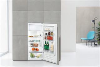 Whirlpool Einbau-Kühlschränke: Farbe Edelstahl. - ARG 71911