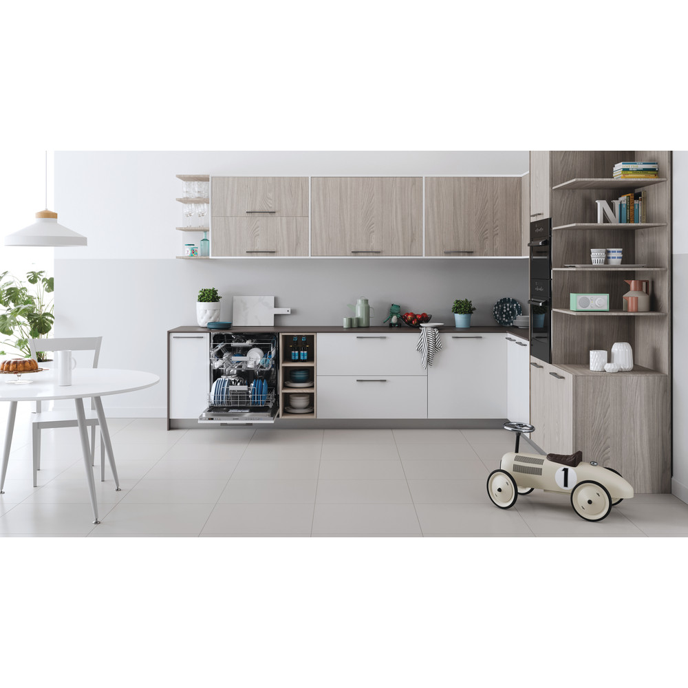 Indesit Посудомоечная машина Встраиваемый DIC 3B+16 AC S Full-integrated A Lifestyle frontal open