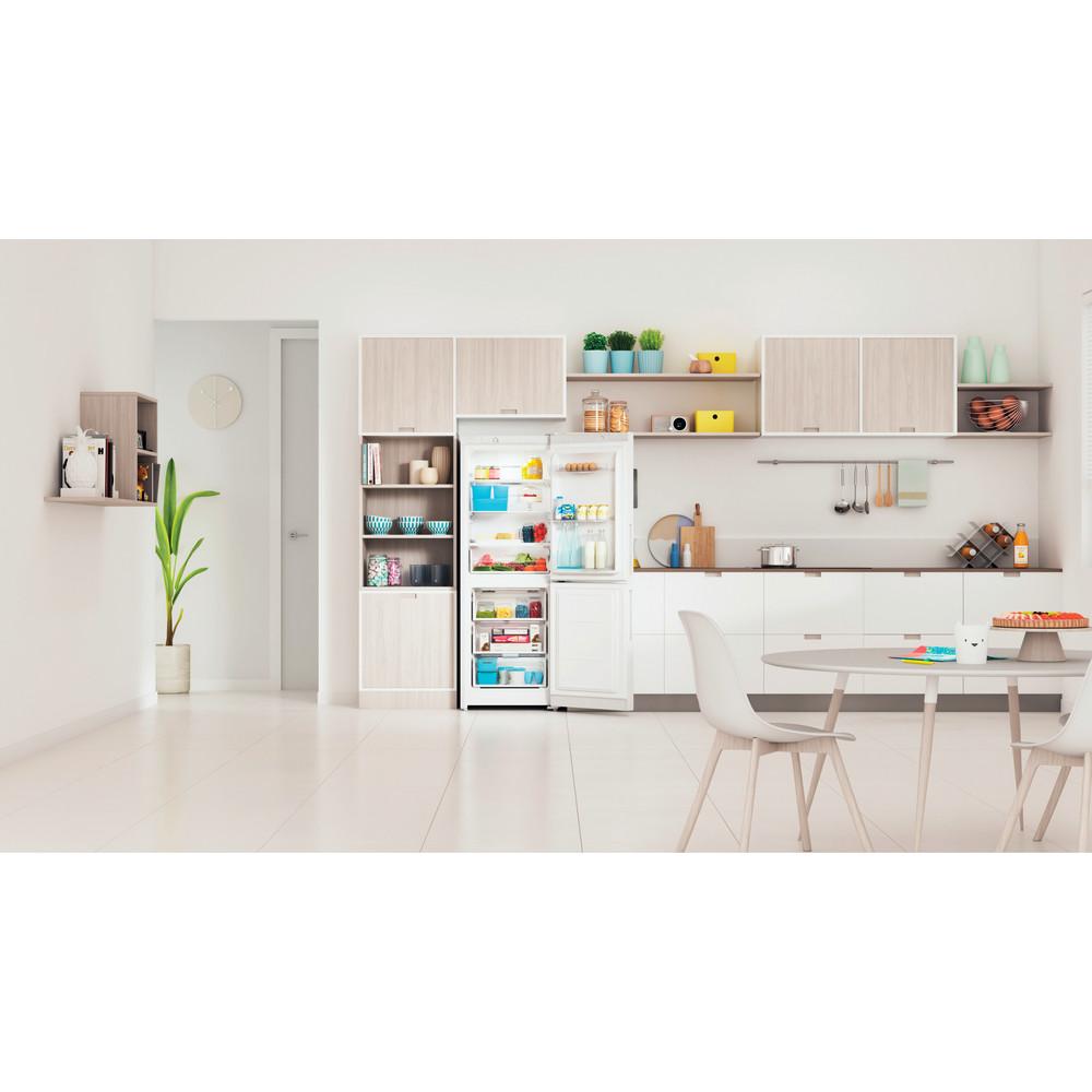 Indesit Холодильник с морозильной камерой Отдельностоящий ITR 4160 W Белый 2 doors Lifestyle frontal open