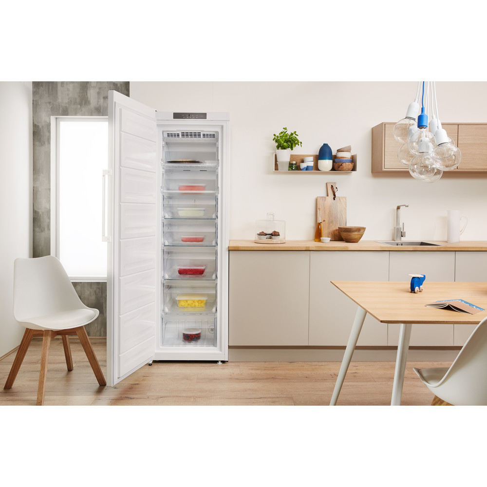 Indesit Congelador Libre instalación UI8 F1C W 1 Blanco global Lifestyle frontal open