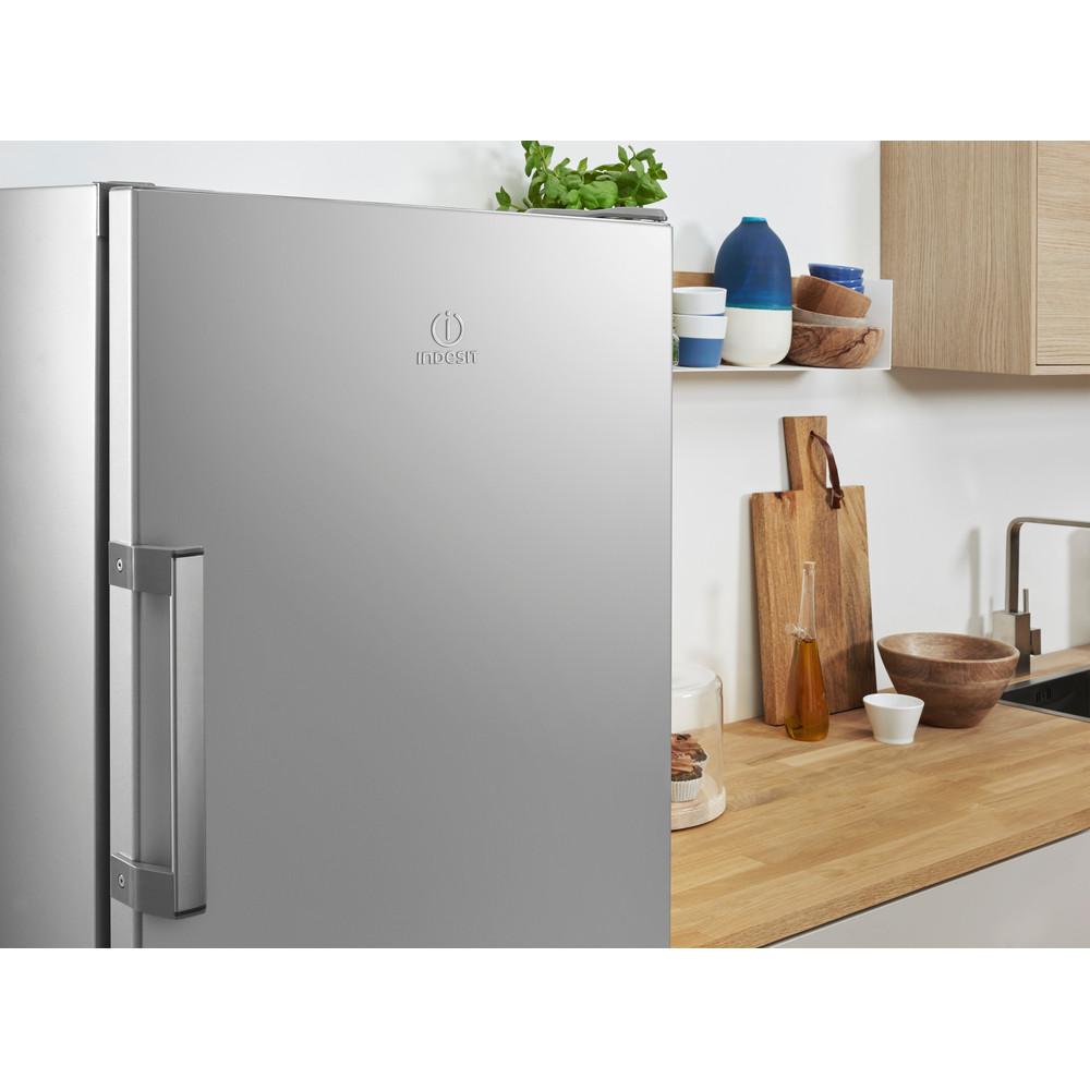 Indesit Kühlschrank Freistehend SI6 1 S Silber Lifestyle detail