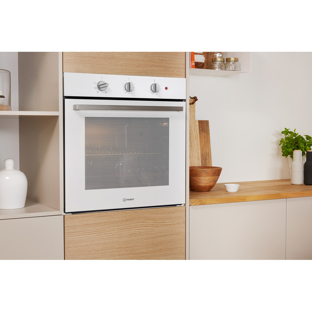 Indesit OVEN Built-in IFW 6330 WH UK Electric A Lifestyle perspective