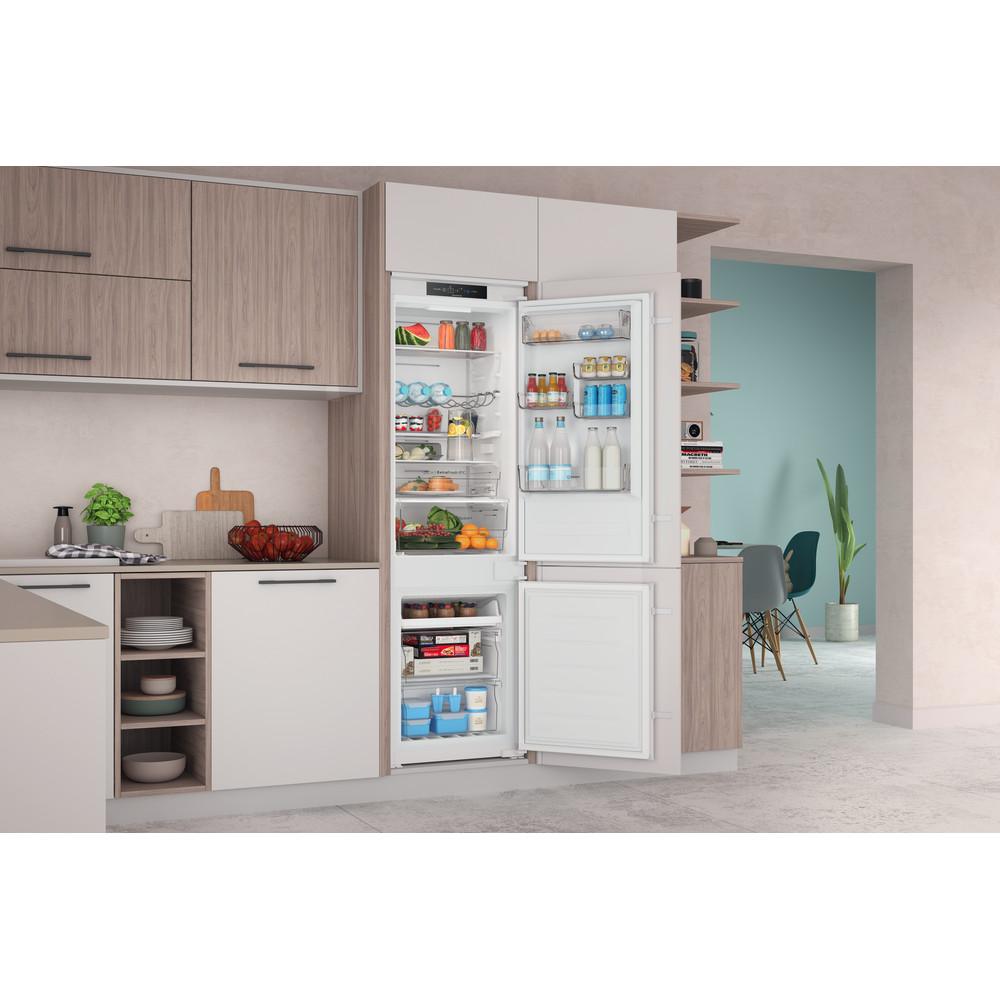 Indesit Combiné réfrigérateur congélateur Encastrable INC18 T332 Blanc 2 portes Lifestyle perspective open
